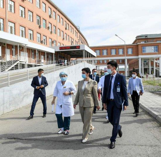 Гүлшара Әбдіқалықова медициналық нысандарды аралап, індетпен күрес амалдарын күшейтуді тапсырды